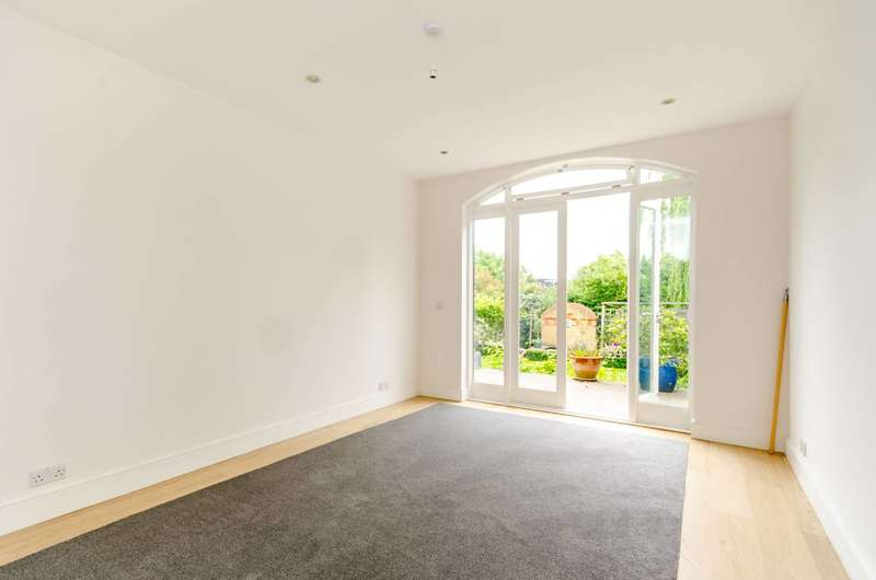 4 Bedrooms House for sale in Home Park Road, Wimbledon Park, SW19