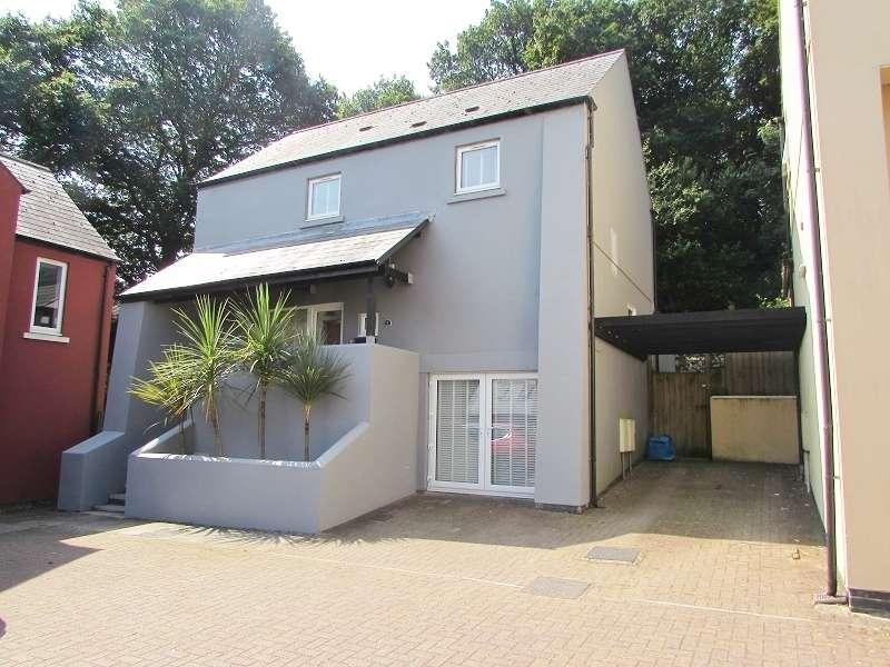 3 Bedrooms Detached House for sale in Pant Y Blodau , Pencoed, Bridgend. CF35 6LX