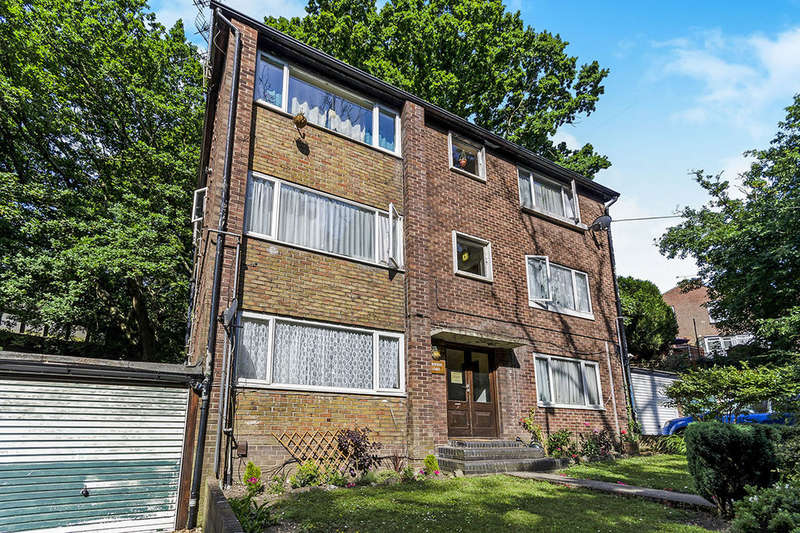 1 Bedroom Flat for sale in Wrights Hill, Southampton, SO19