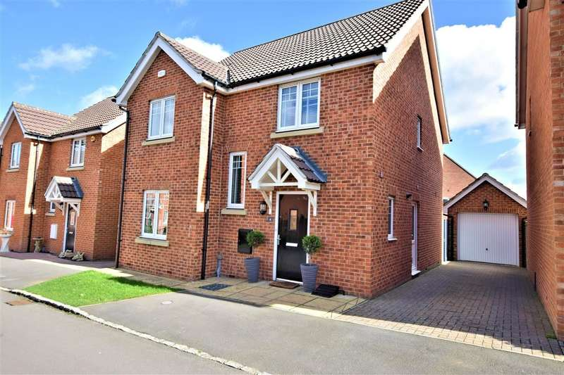 4 Bedrooms Detached House for sale in Hilltop Gardens, Spencers Wood, Reading, RG7