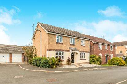 4 Bedrooms Detached House for sale in Jacombe Close, Chase Meadow, Warwick, .