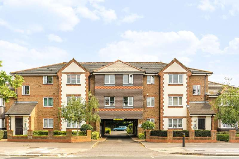2 Bedrooms Flat for sale in Gardner Court, Hounslow, TW3