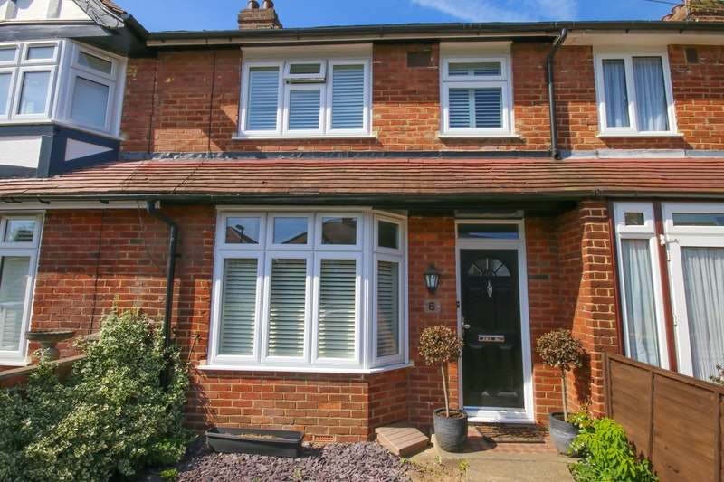 3 Bedrooms Terraced House for sale in Garden Road, Walton-on-Thames, Surrey, KT12