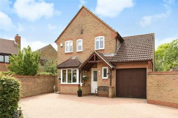 3 Bedrooms Detached House for sale in Fleming Close, Biddenham, Bedford