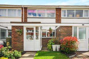 2 Bedrooms Terraced House for sale in Place Farm Avenue, Orpington, .
