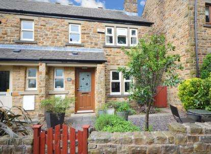 3 Bedrooms Semi Detached House for sale in Oak Apple Walk, Stannington, Sheffield