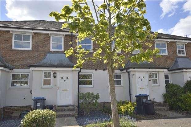 2 Bedrooms Terraced House for sale in Smallfield, RH6