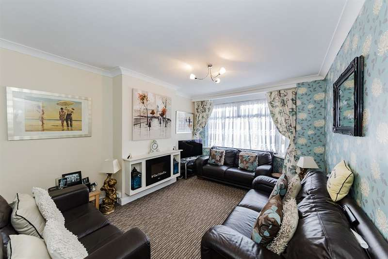 3 Bedrooms Semi Detached Bungalow for sale in Vincent Close, Lancing, West Sussex, BN15 9LL