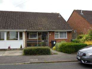 2 Bedrooms Bungalow for sale in Keats Road, Larkfield, Aylesford