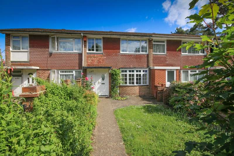 3 Bedrooms Terraced House for sale in st marks place, farnham, Surrey, GU9