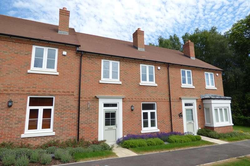 3 Bedrooms House for sale in Sir Geoffrey Todd Walk, Kings Drive, Midhurst, GU29
