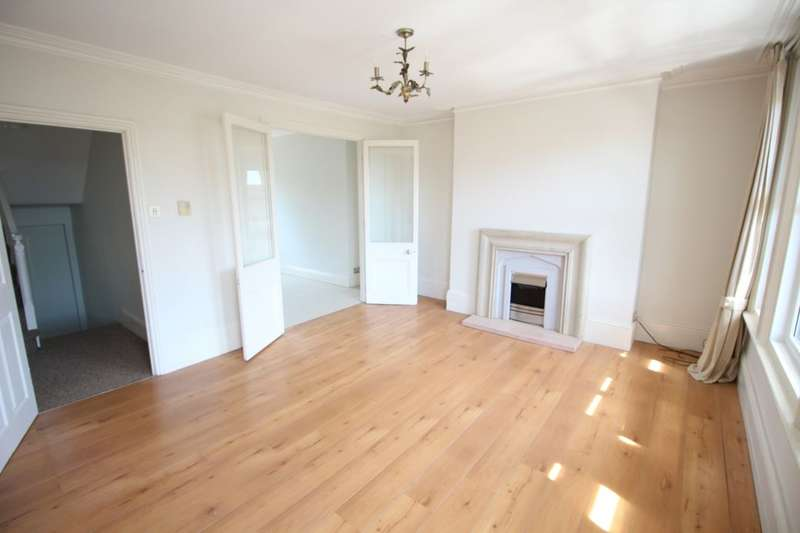 2 Bedrooms Flat for sale in Codrington Road, Ramsgate, CT11