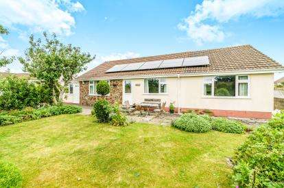 4 Bedrooms Bungalow for sale in Merrymeet, Liskeard, Cornwall