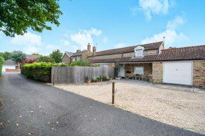 3 Bedrooms Link Detached House for sale in Wragby Road, Bardney, Lincoln, Lincolnshire