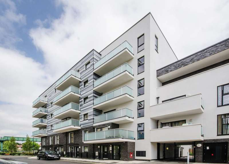 1 Bedroom Flat for sale in Williams Way, North Wembley, HA0