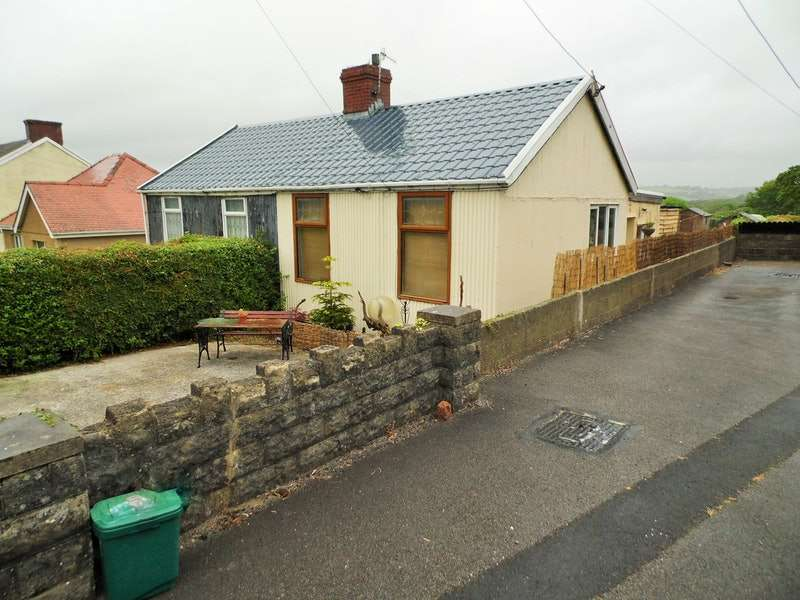 2 Bedrooms Bungalow for sale in Heol Llanelli, Llanelli, Carmarthenshire, SA15