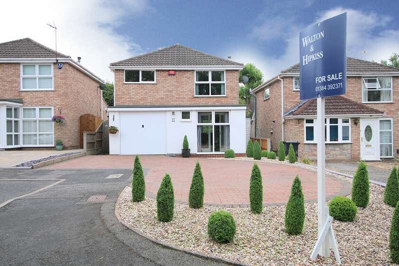 3 Bedrooms Detached House for sale in Thicknall Drive, Pedmore, Stourbridge, DY9