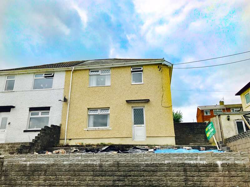 3 Bedrooms Semi Detached House for sale in St Cynwyds Avenue, Maesteg