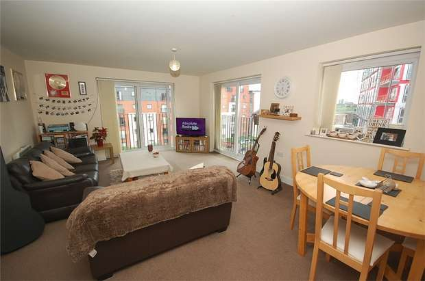 1 Bedroom Flat for sale in Slater House, Woden Street, Salford, Greater Manchester