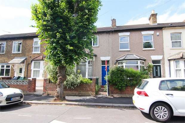 1 Bedroom Flat for sale in Grosvenor Park Road, Walthamstow, London