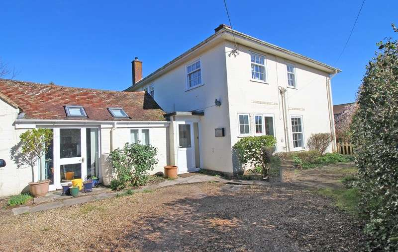 3 Bedrooms Detached House for sale in Barnes Lane, Milford On Sea, Lymington