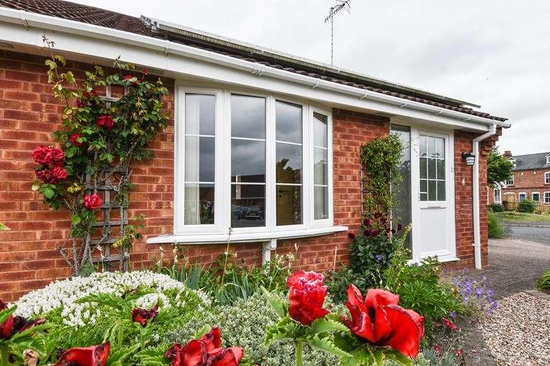 2 Bedrooms Bungalow for sale in Sagebury Drive, Stoke Prior, Bromsgrove