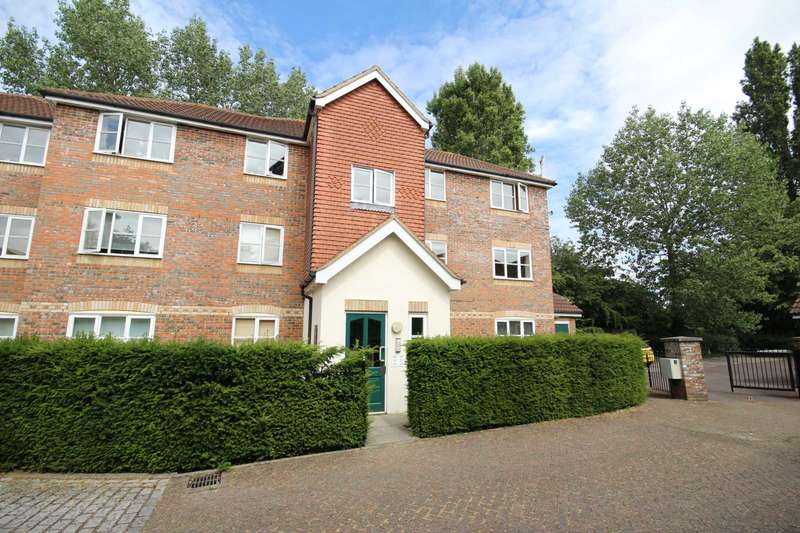 1 Bedroom Apartment Flat for sale in Whitehead Way, Aylesbury
