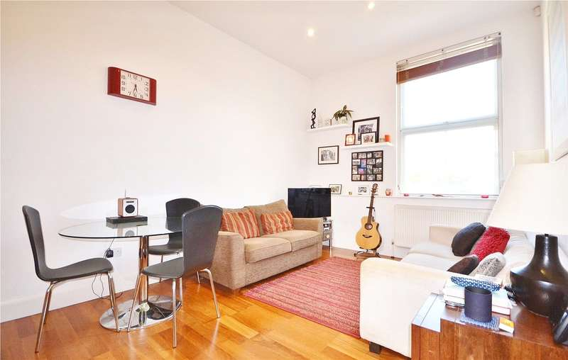 2 Bedrooms Apartment Flat for sale in Grafton Road, Kentish Town, London, NW5