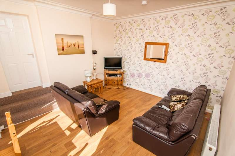 6 Bedrooms Terraced House for sale in Blythe Street, Barnsley