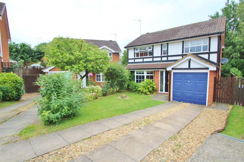 4 Bedrooms Detached House for sale in Willow Drive, Buckingham