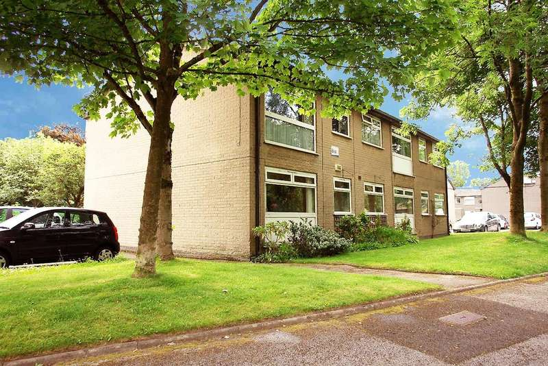 2 Bedrooms Flat for sale in 32 Dunwood Park Courts, Shaw, OL2 6ED