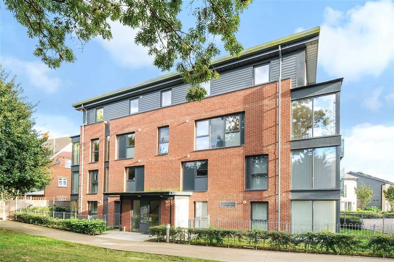 2 Bedrooms Apartment Flat for sale in Thorneycroft House, Douglas Close, Stanmore, Middlesex, HA7