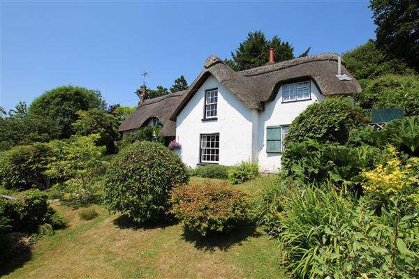 3 Bedrooms Detached House for sale in Rosemary Cottage, Frogham Hill, Fordingbridge
