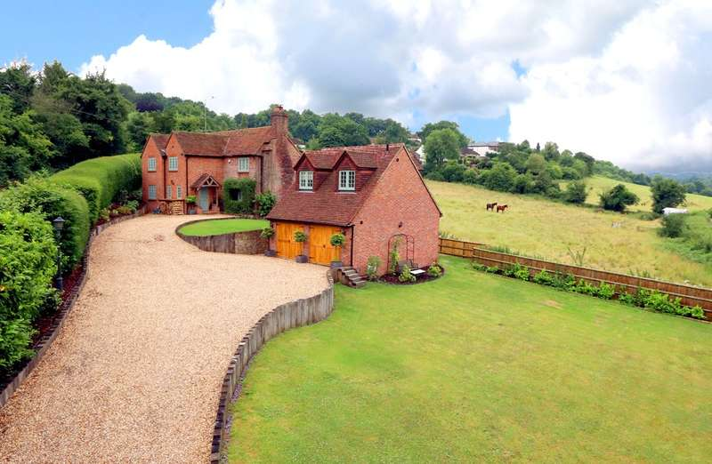 4 Bedrooms Cottage House for sale in Holtspur Top Lane, Beaconsfield, HP9