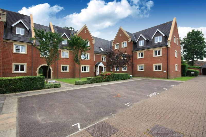 2 Bedrooms Flat for sale in Tanbridge Park, Horsham