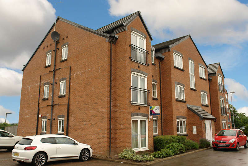 2 Bedrooms Flat for sale in 27 Baldwins Close, Royton, Oldham