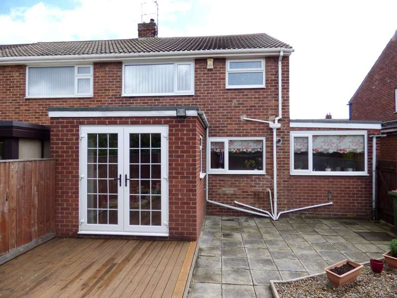 3 Bedrooms Semi Detached House for sale in Mendip Drive, Redcar
