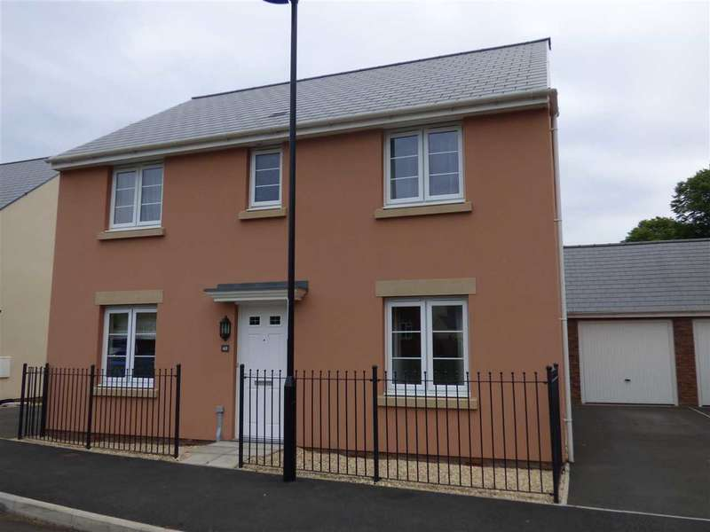 4 Bedrooms Detached House for sale in Ash Tree Road, Caerwent