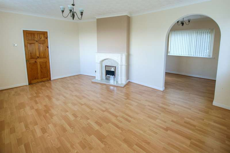 4 Bedrooms Detached House for sale in Greenacre Bungalow, Crynallt Road, Neath