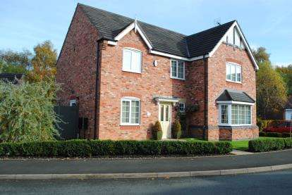 4 Bedrooms Detached House for sale in Buttercup Close, Huntington, Cannock, Staffordshire