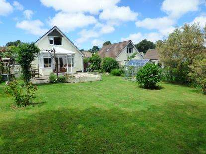 3 Bedrooms Bungalow for sale in St. Columb Major, Cornwall, England