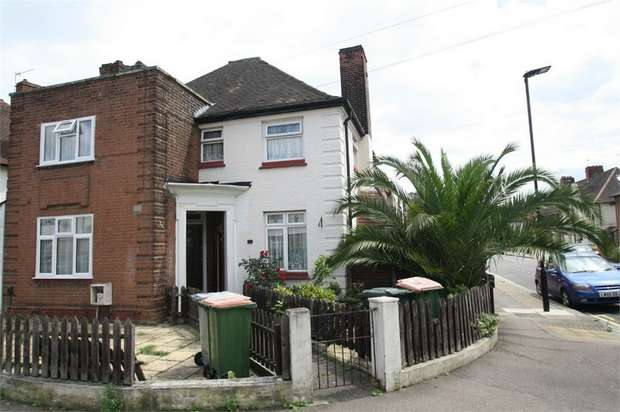 2 Bedrooms End Of Terrace House for sale in Holborn Road, Plaistow, London