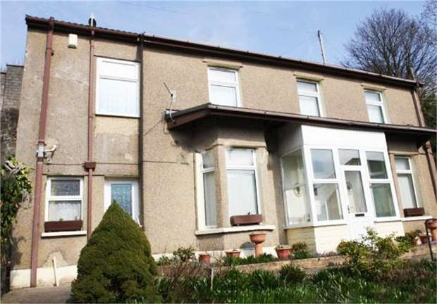 3 Bedrooms Detached House for sale in Ystrad Road, Pentre, Mid Glamorgan