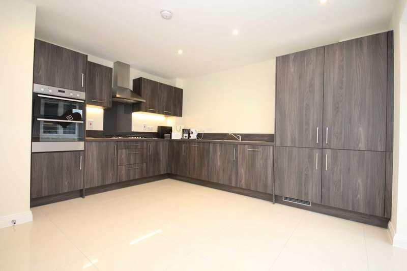 4 Bedrooms House for sale in Whitefield Way, Kelvedon Hatch