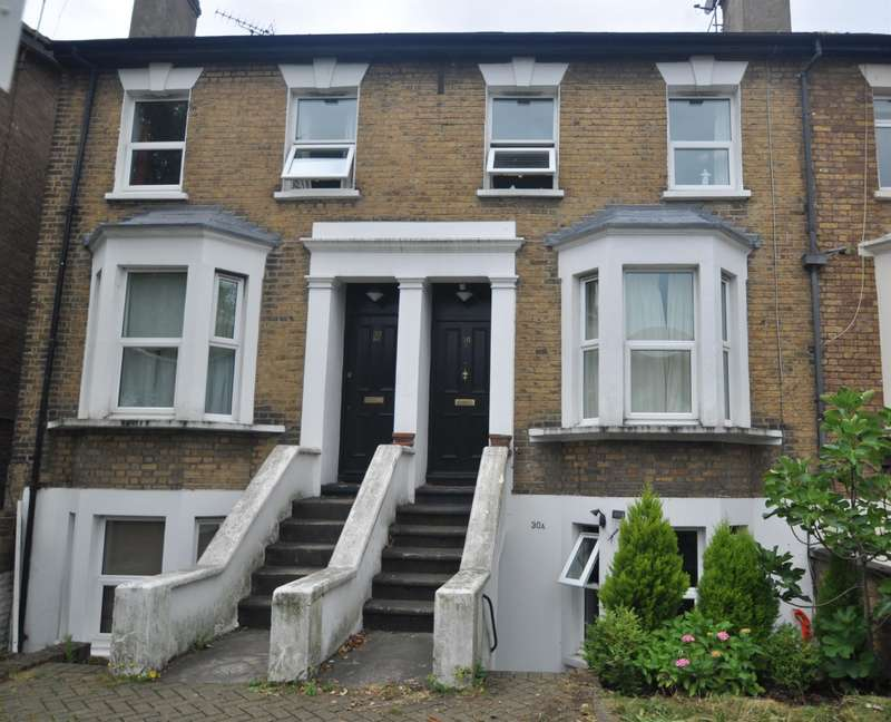 2 Bedrooms Ground Flat for sale in Lower Boston Road, W7 2NR