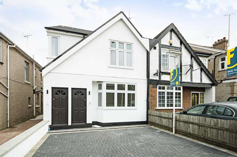 3 Bedrooms Flat for sale in Great North Way, Hendon, NW4