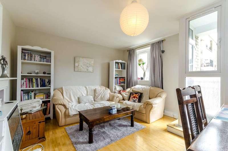 3 Bedrooms Flat for sale in Hayward Gardens, Putney, SW15