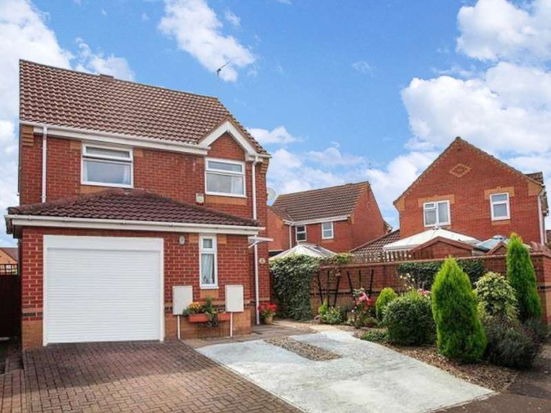 3 Bedrooms Detached House for sale in Curlew Grove, Stanground, Peterborough, Cambridgeshire. PE2 8SP