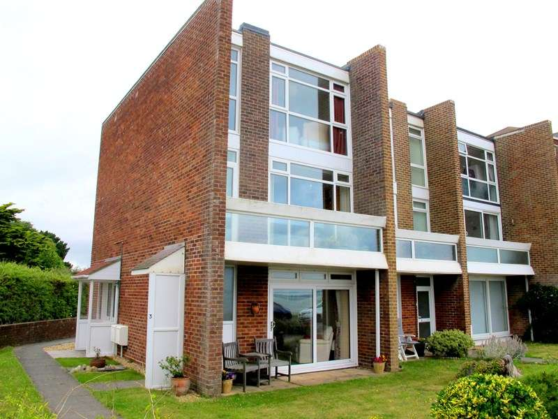 3 Bedrooms Apartment Flat for sale in Marine Parade West, Lee-On-The-Solent