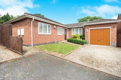 3 Bedrooms Bungalow for sale in School Lane, Radford Semele, Leamington Spa, Warwickshire